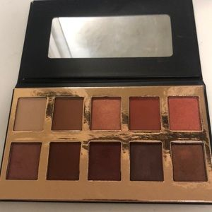 Crown Fuego eyeshadow palette